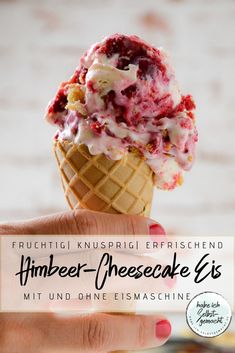Himbeer-Cheesecake Eis Summer time is ice age - and making ice cream yourself is not difficult at al The Cheesecake Factory, Cheesecake Ice Cream, Raspberry Cheesecake, Cheesecake Recipes, Raspberry Recipes, Healthy Dessert Recipes, Easy Desserts, Vegetarian Recipes, Recipes Dinner
