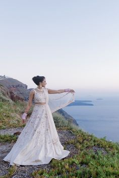 Sharon, wedding in Santorini. Beautiful Sharon facing the stunning caldera in Santorini island, Greece. Santorini Island, Santorini Greece, Mykonos, Santorini Wedding, Greece Wedding, Wedding Planner, Destination Wedding, Rowan, Perfect Wedding