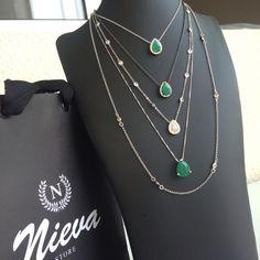 Colares @nievastore !! Muitas novidades chegando para nossas queridas clientes! Compras pelo ➡️www.nieva.com.br ou pelo  95030-5020.  Enviamos para todo Brasil. #semijoias #colares #verde #esmeralda #tiffany #rodionegro #shopnow