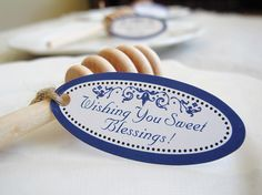 Simply Personal Table Decor for Fall Entertaining #tags #honey #personalized