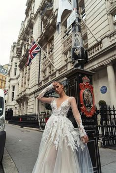 סיון בן דוד לונדון 2017-Sivan Ben David London 2017 072-330-4316 wedding dresses | Bridal Gowns | קולקציית כלות 2017 שמלות כלה | שמלות כלה עדינות | SIVAN BEN DAVID קולקציית 2017 | שמלת כלה קלאסית | שמלת כלה מיוחדת | שמלה כלה רומנטית | כלות 2017 | white dress | SIVAN BEN DAVID | 2017 | wedding dress | new collection | 2017 collection | bridal fashion