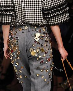 Dolce & Gabbana Spring 2017 Ready-to-Wear Fashion Show : See detail photos for Dolce & Gabbana Spring 2017 Ready-to-Wear collection. The complete Dolce & Gabbana Spring 2017 Ready-to-Wear fashion show now on Vogue Runway. Fashion Week, Fashion 2017, Couture Fashion, Runway Fashion, High Fashion, Fashion Show, Womens Fashion, Fashion Trends, Winter Fashion