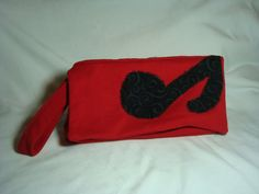 Note Your Clutch by Viyadas on Etsy, $35.00