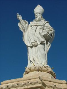 St. Nicolaas beeld midden op de 'rotonde'
