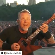 "612 Likes, 21 Comments - shortest straw. (@metallikuh) on Instagram: ""James looks straight up pissed😡 Poor James Man I feel sorry for him💔😭#JamesHetfield #LarsUlrich…"""