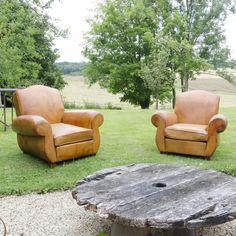 #fauteuil #club. www.brocantedelabruyere.com Outdoor Furniture Sets, Outdoor Decor, Club Chairs, Armchair, Home Decor, Armchairs, Sofa Chair, Single Sofa, Decoration Home