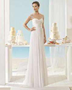 Silk muslin wedding gown. Aire Barcelona Beach Wedding 2017 Collection.