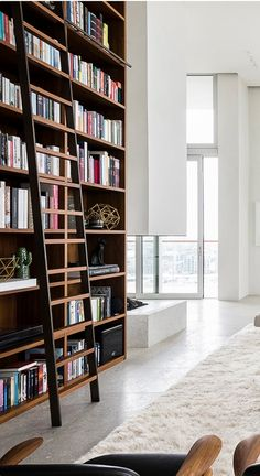 This modern penthouse apartment has monumental dimensions and exudes an air of grandeur, it is a great example of modern Belgian architecture. Retro Home Decor, Home Decor Kitchen, Cheap Home Decor, Modern Interior Design, Interior Design Inspiration, Interior And Exterior, Library Inspiration, Cozy Living Rooms, Living Room Decor