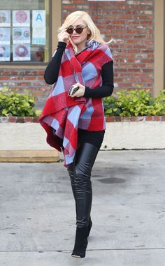 Gwen Stefani in Reem Acra ❤️ awesome chilly weather outfit