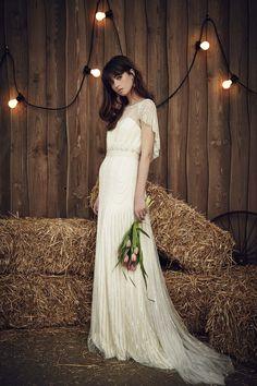 Amigas da Noiva: Bridal Fashion Week Spring 2017 | Jenny Packham #bride #bridal…
