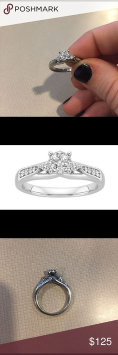 Fred Meyer Jewelers 14 ct tw Diamond Heart Pendant Jewelry