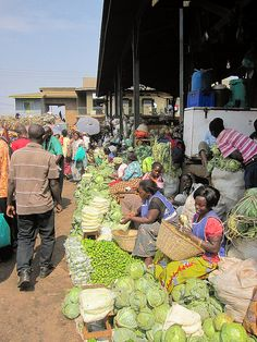 Owino market Kampala, Uganda | Flickr (CC BY-NC-ND 2.0)
