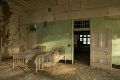 Back to bedlam: abandoned American asylums – in pictures