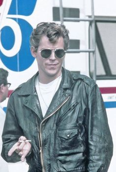Jeff Conaway  Pictured here as Kenickie in Grease (1978).  736×1086 пикс