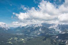 Seefeld in Tirol ist ein Urlaubsort mit einer langen Tradition. Die Region verfügt über 650 km Wanderwege, über 39 km gut präparierte Skipisten und Langlaufloipen Nordic Skiing, Felder, Bergen, Winter, Hiking, Mountains, Nature, Travel, Beautiful Places