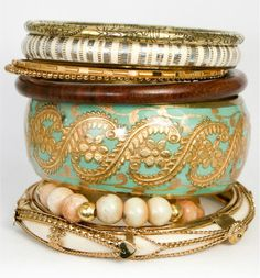 Anthroplogie Stacked Green & Gold Indian Bangle Bracelet Set