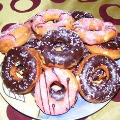Egy finom Csokis-cukormázas amerikai fánk ebédre vagy vacsorára? Csokis-cukormázas amerikai fánk Receptek a Mindmegette.hu…