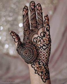 45+ Latest Mehndi Designs for Karva Chauth We Spotted In 2020 - SetMyWed Mehndi Designs Front Hand, Modern Henna Designs, Indian Henna Designs, Henna Tattoo Designs Simple, Latest Bridal Mehndi Designs, Full Hand Mehndi Designs, Mehndi Designs 2018, Mehndi Designs For Girls, Henna Art Designs
