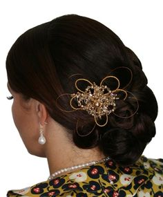 Handmade swarovski gold crystal pearl flower hair comb/ hair piece. Perfect for bride wedding, bridesmaid or formal.  www.redki.com.au Hair by Ultimate Bridal, Hair piece and jewellery by Redki Wearable Art.