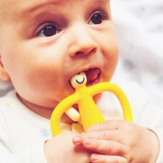 Teething products that I cannot live without.   http://www.poutinginheels.com/home/teething-products-cannot-live-without/  #teething #teethingproducts #babies #babymusthaveproducts
