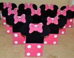Minnie Mouse Goody Bags, Minnie Mouse Treat Bags by BeesDieCutDesigns on Etsy Minie Mouse Party, Mickey Mouse Treats, Mickey Mouse Party Favors, Girls 3rd Birthday, Kylie Birthday, First Birthday Parties, First Birthdays, Party Favor Bags, Goodie Bags