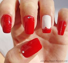 Red Heart Nails - http://claudiacernean.blogspot.ro/2013/01/unghii-rosii-cu-inima-red-heart-nails.html