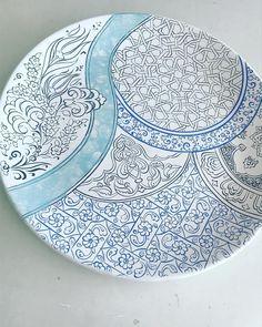Pottery Painting Designs, Paint Designs, Islamic Art Pattern, Pattern Art, China Painting, Ceramic Painting, Cool Easy Drawings, Beautiful Nature Wallpaper, Turkish Art