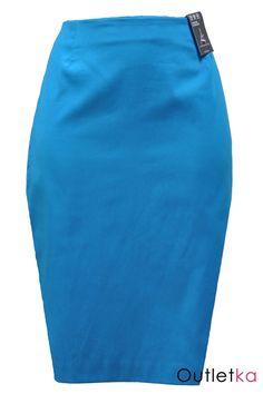 Nowa, ołówkowa spódnica firmy Atmosphere w odcieniu ciemnym turkusowym. Spódnica niezwykle elegancka, super układa się na sylwetce. Z wysoki stanem. Z tyłu zasuwana na zamek z złotym kolorze. Na dole rozporek.