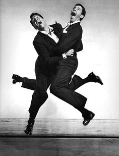 Legendary funnyman Jerry Lewis passed away yesterday. Here he is jumping with Dean Martin for photographer Philippe Halsman. Jerry Lewis and Dean Martin, 1951 Jerry Lewis, Lee Lewis, Iggy Pop, Dean Martin, Steve Martin, Classic Hollywood, Old Hollywood, Philippe Halsman, Photo Star