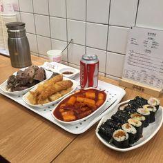 K Food, Food Porn, Cafe Food, Korean Food, Mukbang Korean, Aesthetic Food, Food Cravings, I Love Food, Baby Food Recipes