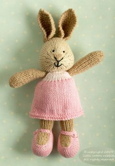 I love these bunnies from littlecottonrabbits!! Soooo adorable!