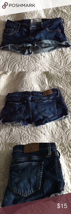 Jean Hollister Shorts Jean Hollister Shorts in great condition! No rips! Size-3. Waist-26. #hollister #jeans #shorts #denim Hollister Shorts Jean Shorts