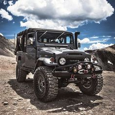 Those that know, know. Badass classic Toyota Landcruiser by @cruisershirts Check his page out for some epic photos of his #adventuremobile and head over to his site for some sweet FJ shirts.