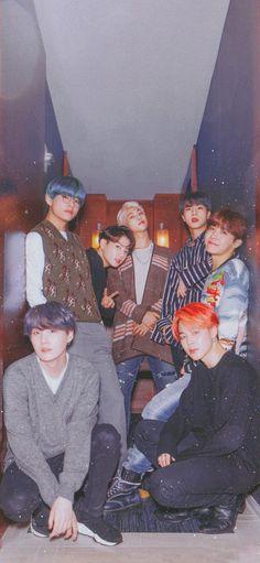 BTSorbit Que foto meus amigos, que foto 💜🤤 - BTS Wallpapers Bts Taehyung, Bts Bangtan Boy, Bts Jimin, Namjoon, Seokjin, Foto Bts, Les Bts, Bts Group Photos, Bts Backgrounds