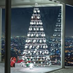 Modern Pearl Tree With Matte Silver Ornaments