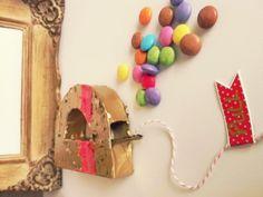 Mini Piñata Letra para regalar en el Día del Amigo by www.tiendadoilies.com.ar Washer Necklace, Jewelry, Ideas, Mini Pinatas, Friends Day, Jewlery, Jewerly, Schmuck, Jewels