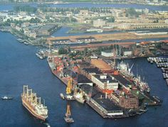 """Wauw, Wilhelminapier #Rotterdam in 1990"" Rotterdam, Leiden, Holland America Line, Navy Ships, Back In Time, Old City, Old Pictures, Netherlands, Paris Skyline"
