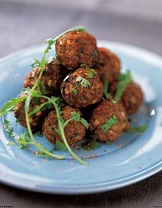 Boulettes de boeuf à la coriandre / Beef meatballs with Coriander Asian Recipes, Beef Recipes, Healthy Recipes, Ethnic Recipes, French Recipes, Fingers Food, Ras El Hanout, Meat Appetizers, Salty Foods