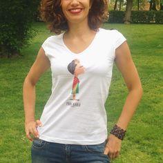 Camiseta de Frida Khalo por Tutticonfetti