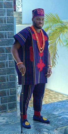 Mens Style Discover Aso oke suit Nigerian men suit African men clothing Dashiki for men Traditional wedding suit. African Wear Styles For Men, African Shirts For Men, African Dresses Men, African Attire For Men, African Clothing For Men, Latest African Fashion Dresses, African Print Fashion, Nigerian Clothing, African Clothes