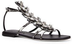 Shopping Mode Les 30 sandales de l'été 2015 : sandales Fendi miroir et cristaux Swarovski http://www.vogue.fr/mode/shopping/diaporama/les-30-sandales-mode-de-lete-2015/21052/carrousel