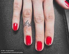 By NN tinytinytats done at Tattoo Factory BCN Barcelona. Mini Tattoos, Red Ink Tattoos, Dainty Tattoos, Baby Tattoos, Little Tattoos, Cute Tattoos, Finger Tattoo For Women, Small Finger Tattoos, Finger Tats