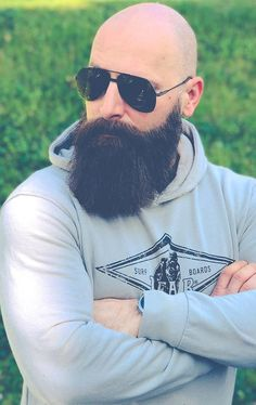 Shaved Head With Beard, Bald With Beard, Long Beard Styles, Beard Styles For Men, Hipster Bart, Bald Men Style, Mustache Styles, Beard Model, Hair