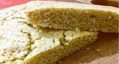 La morbidezza di questo pan di Spagna vegano senza farine raffinate, latte e uova vi stupirà.