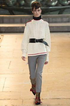 Isabel Marant Fall 2016 Ready-to-Wear Fashion Show - Amanda Googe