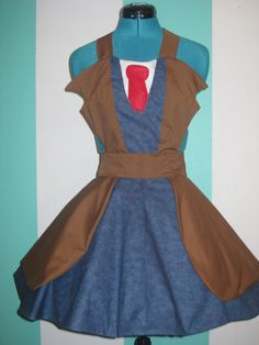 I think I could make this apron. I bet it would be easy to make into Castiel, too.