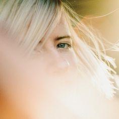Amber Arcades - Fading Lines - Ondergewaardeerde Liedjes Emmylou Harris, Top Albums, Celtic Music, Buy Music, Album Releases, Music Games, Debut Album, Back Home, Green Eyes