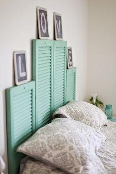 DIY tete de lit volets turquoise