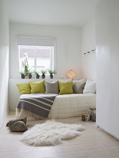 Keep a spare bed in office/game room for company, but set up as a couch Guest Bedroom Office, Guest Bedrooms, Guest Room, Twin Bed Couch, Bed Back Design, Bed In Corner, Spare Room, Luxury Bedding, Interior Design Living Room