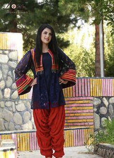 Pakistani Fashion Party Wear, Pakistani Dresses Casual, Pakistani Dress Design, Stylish Dresses For Girls, Stylish Girl Pic, Simple Dresses, Baby Dress Design, Bridal Dress Design, Kids Dress Suits